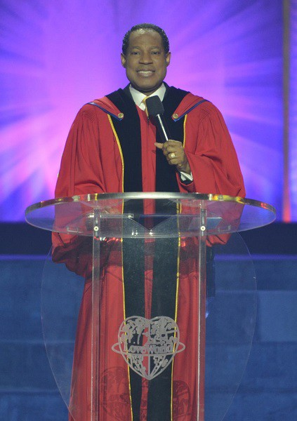 Rev (Dr) Chris Oyakhilome